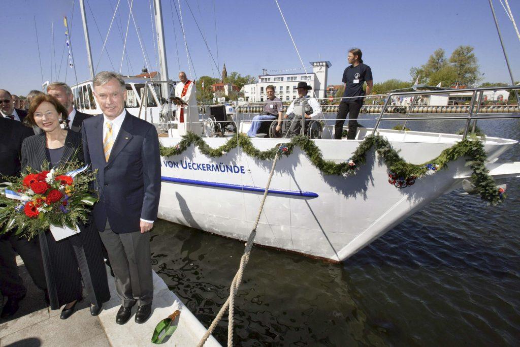 """Taufe des Schiffes auf den Namen """"Wappen von Ueckermünde"""""""